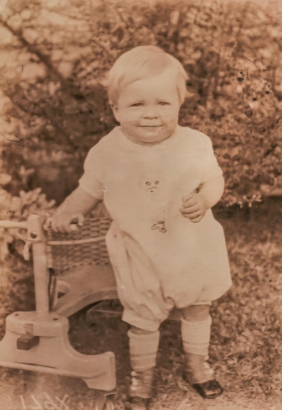 Donald Parrett, age 1.jpg